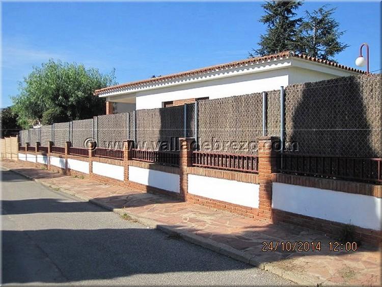 Montaje de una valla en un chalet de una urbanizaci n privada - Vallas exteriores para casas ...