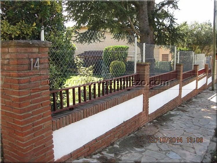 Montaje de una valla en un chalet de una urbanizaci n privada - Ocultacion para jardin ...
